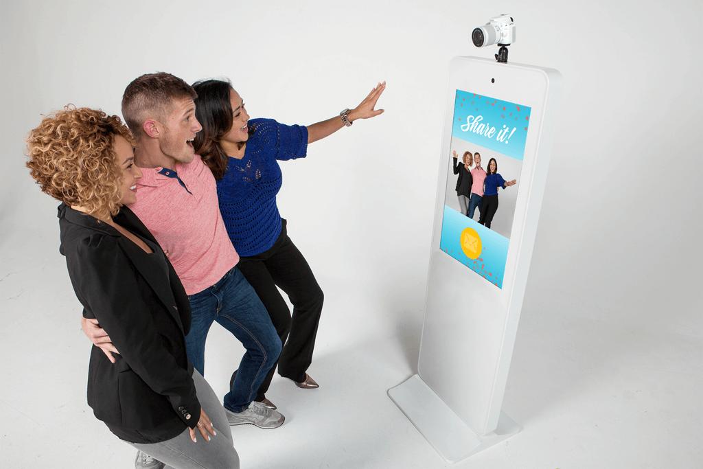 Memory Selfie Station Photo Booth DJ Entertainment